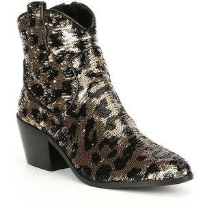 NWT Betsey Johnson Lucki Sequin Leopard Block Heel
